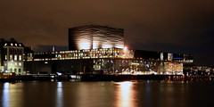 Copenhagen - Royal Danish Playhouse at a winter night (Jrgenshaus) Tags: winter reflection colors night copenhagen geotagged denmark colorful nightshot theatre nacht thumbsup dezember dnemark danmark kopenhagen 2009 oper farben reflektion nachtaufnahme schauspielhaus bigmomma canonefs1855mmf3556 yourock1stplace skuespielhuset