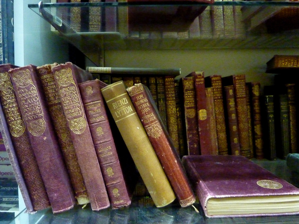 MacLeod's Books