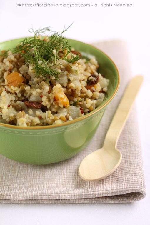 Insalata di bulgur e quinoa mediorientale