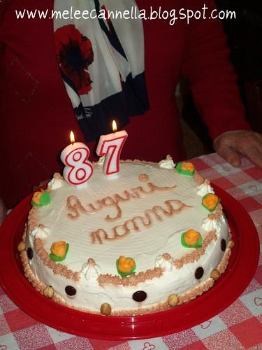 Molto mele e cannella: Torta di compleanno,auguri nonna! AO39