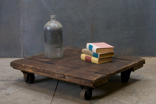 1236_vintage-wood-factory-low-cart-metal4