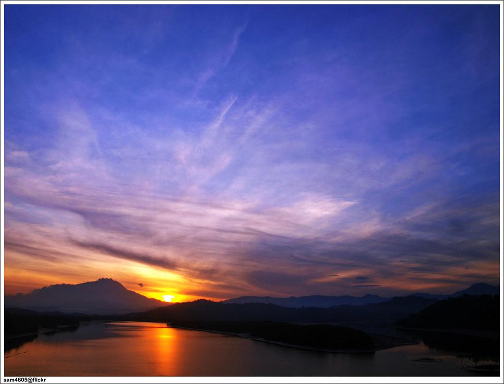 Matahari pagi Kinabalu