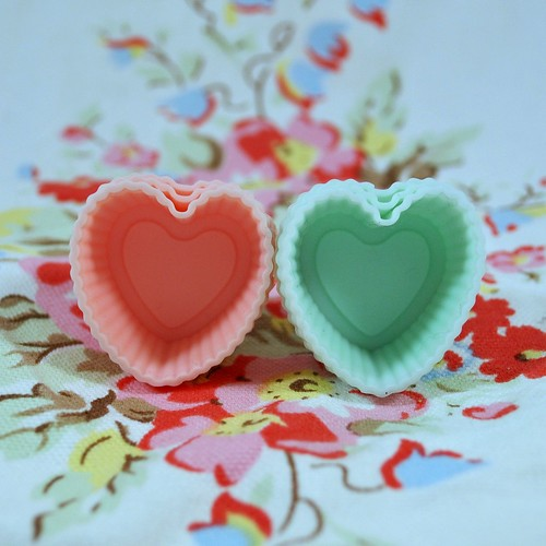 Mini heart baking cases