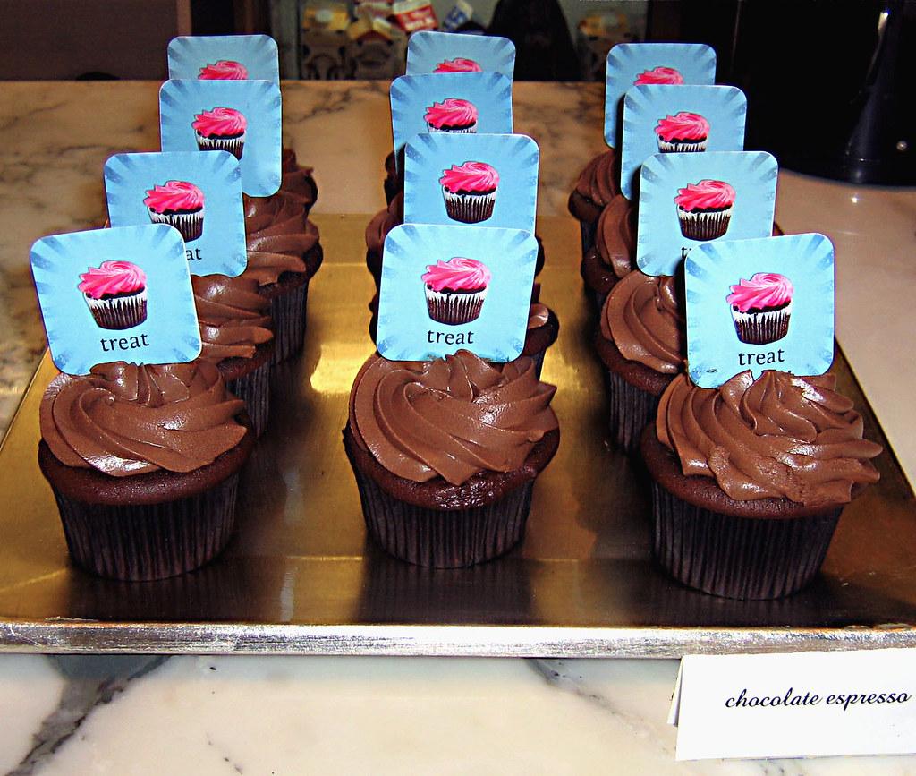 Pretty, Unique Custom Cupcakes By New York Company Treat