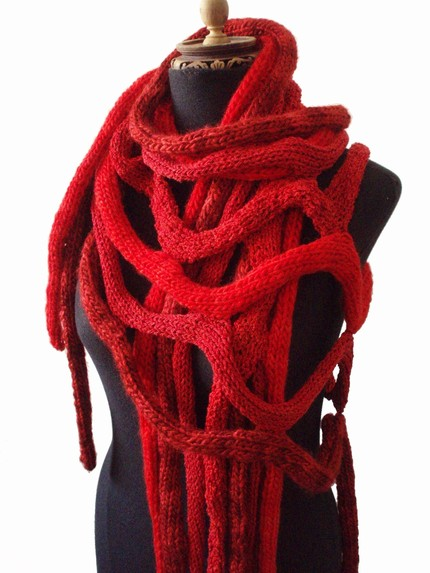 Las Lopez knit cable scarf at Etsy 1