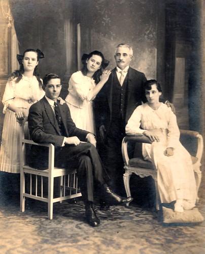 J. Enrique Rivoira e hijos.