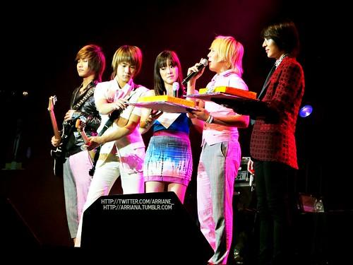 Jaejin: First dibs on the cake!
