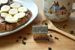 tea house (sevenworlds16) Tags: houses house metal breakfast vintage silver leaf little tea toast banana mug nutella hook brew loose daiso