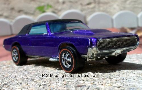 Mattel Hot Wheels 1967 Ford Thunderbird Purple