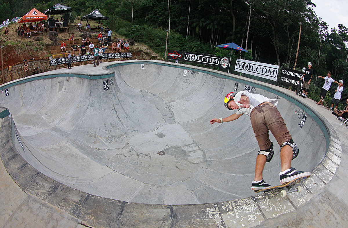 Pedro Barros - backside lipslide