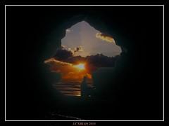 DISFRUTANDO DEL ATARDECER (((((((-charly-)))))) Tags: canon atardecer imagenes pueblos playas 450d vosplusbellesphotos travelsofhomerodyssey