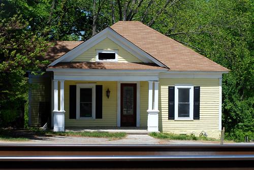 v 3 houses 032