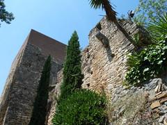 murallas de gerona (oscar.arquitectura) Tags: castle architecture arquitectura restoration walls renovation fortress castillo gerona restauracin murallas rehabilitacin fortificacin