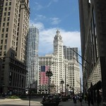 "Michigan Ave Wrigley Bldg<a href=""http://farm5.static.flickr.com/4041/4544282520_9d23d82299_o.jpg"" title=""High res"">∝</a>"