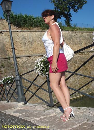 amateur go nude in public flashing pics: italy, woman, sexy, publicnudity, sensual, legs, hot, highheels