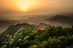 () Tags: sunrise taiwan      d90  sigma2418