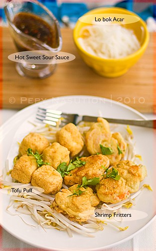 Tahu Pong Semarang - Tofu Puffs and Shrimp Fritters with Hot Sweet and Sour Sauce