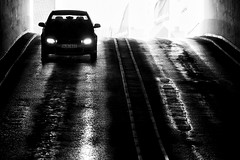 Coming Down (Rutger Blom) Tags: auto blackandwhite bw wet public car blackwhite skne automobile europa europe driving sweden skandinavien nat headlights technical bil vehicle sverige asphalt scandinavia scania zweden asfalt ystad rijden koplampen skane kra zwartenwit blt ef70200mmf4lusm svartochvitt strlkastare canoneos5dmarkii enbrabild skanelan upcoming:event=5767170