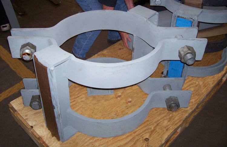 "24"" Pipe Shoe with Clamps"