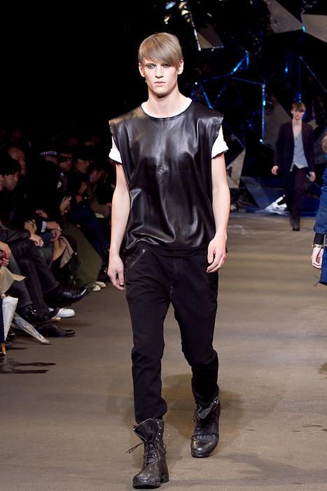 Alexander Johansson3113_FW10_JFW_DIESEL BLACK GOLD(Fashionsnap)