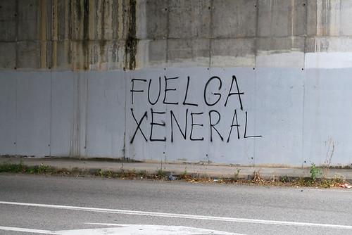 Fotos de la agitación de los CJC/CMC  y el PCPE-Asturies por la huelga general 4660742168_36f985afde