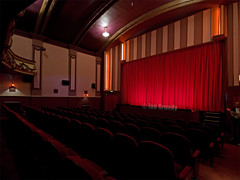 Hyde Park 7275 (stagedoor) Tags: uk england cinema architecture teatro kino theater theatre olympus cine hydepark e3 headingley auditorium grade2 westyorkshire listed picturehouse brudenellroad