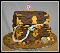 Pirates treasure chest cake (chris_hill) Tags: cakes chest booty loot pirate swag piecesofeight doubloons tharsheblows cakeart creativecakes omnomnom treausre