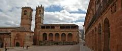 Plaza Mayor de Alcaraz. Monumento Nacional (brujulea) Tags: plaza mayor monumento sierra casas spa nacional con albacete alcaraz rurales brujulea