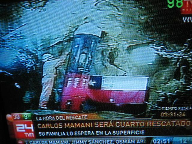 Thumb Fotos del minero Boliviano Carlos Mamani rescatado de la mina de Chile