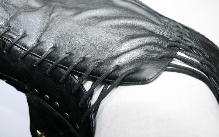 Leather shoulder harness by gTie Jenni Ahtiainen 12