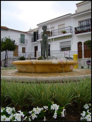 Escultura de La Niña de Benalmádena