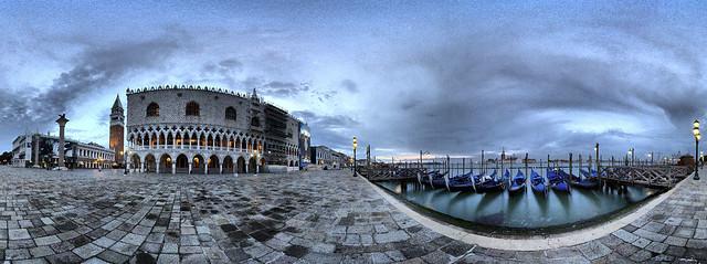 Sunrise in P. San Marco/Napfelkelte a Szent Márk téren