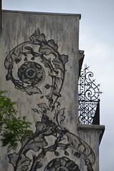 Fers forgés (Jeanne Menjoulet) Tags: paris tolbiac balcon ferronerie fer forgé wroughtiron streetart