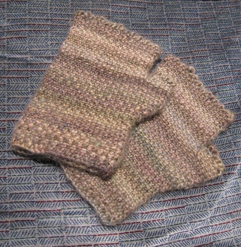 BFL linen stitch mitts