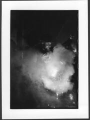 En grve (Kid photo 1979) Tags: de minolta x300 feu manifestation bengale spciaux rgimes grviste
