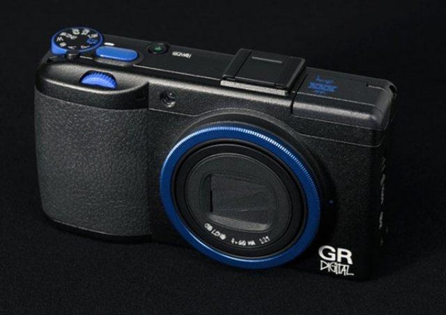 ricoh-gr-digital-stussy-02