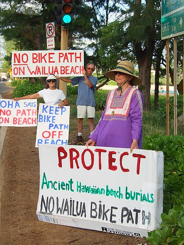 Protests continue against Wailua Beach bike path