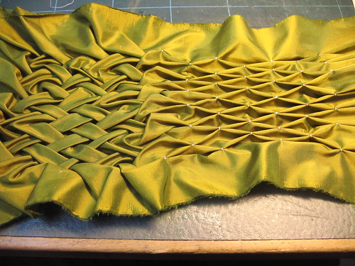 manipulation fabric - smocking fabric