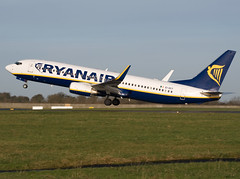 Ryanair Boeing 737-8AS EI-DCT (Irish251) Tags: ireland winter dublin sunshine plane airplane airport december aircraft boeing ryanair 2009 dub airliner 737800 738 eidct eidw 7378as