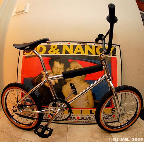 """16"""" Pit Bike."""