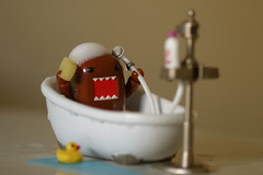 DOMO CLEAN! (Grana Padano!) Tags: toys domo rubberducky bathtub rement domokun ea qee sylvanianfamily playwithbaby