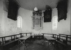 interieur van de kerk vroeger