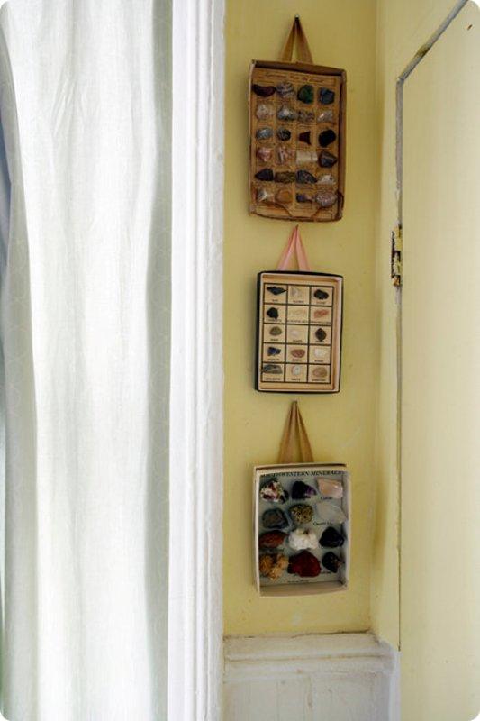 DIY shoe box lip wall collage frames