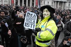Trafalgar Square Photographers (39) (McTumshie) Tags: london photography trafalgarsquare photographers londonist phnat massphotogathering upcoming:event=4903212