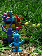 it wasn't me 052365 (paloetic) Tags: blue toy robot lego follow plastic tiny creativecommons messy monthlyscavengerhunt leader noisy msh stripy dailychallenge stretchy bluerobot toyaholic sooc 365project onephotoaday littlerobots oneobject365daysproject 365toyproject 365daysoneobject charactersfromlittlerobots msh02101 msh0210 apicturewortha1000words mikebrownlow