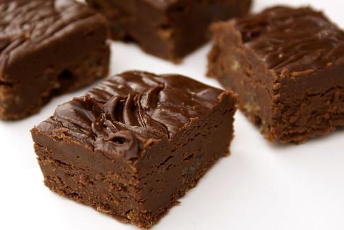 Ev Yapımı Çikolatalı Yumuşak Şekerleme - Fudge