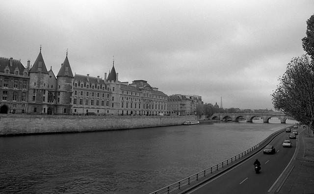 Seine River & La Conciergerie