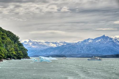 Boats & Icebergs