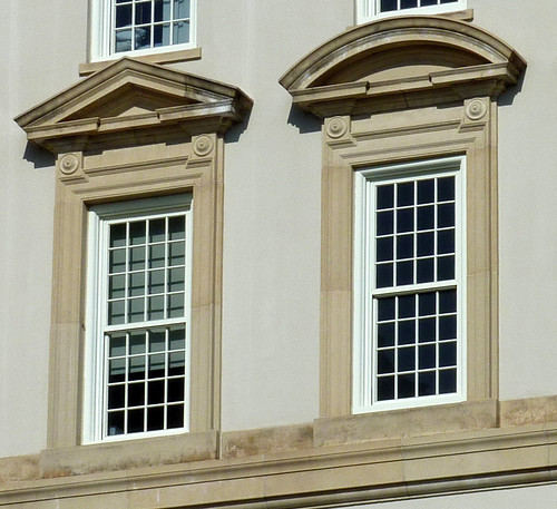 P1000636-2010-02-07-Shutze-Emory-Hospital-South-Facade-Window-Pediment-Details