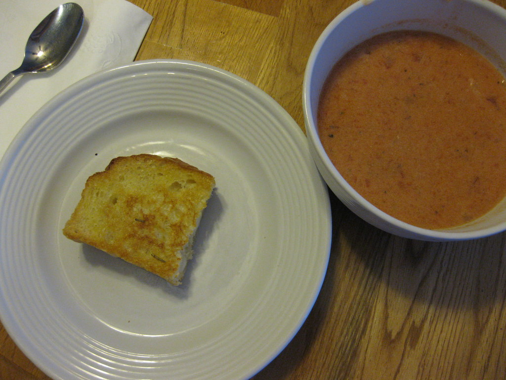 Crock Pot Tomato Basil Soup & Grilled Cheese